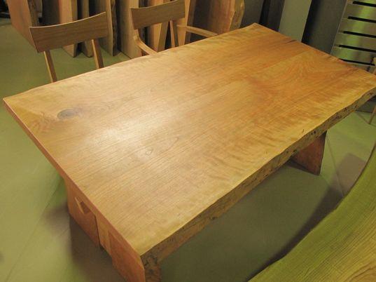 ブラックチェリー無垢テーブル(2枚接ぎ)