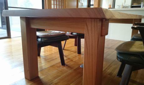 ケヤキテーブル4本足貫